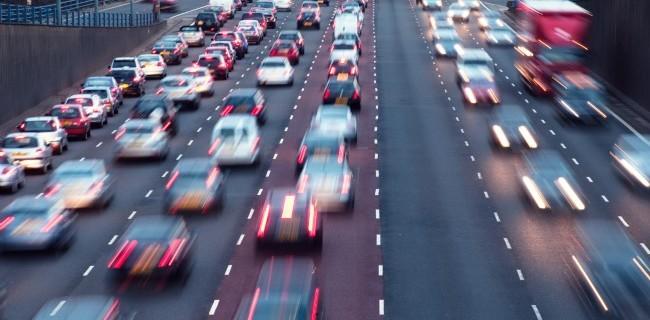 0000128637-traffico-auto